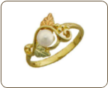 Black Hills Gold Ladies Pearl Ring (SKU: LR2938)