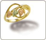 Black Hills Gold Ladies Ring with Leaves (SKU: LR3068)