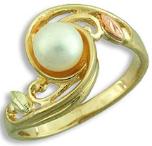 Black Hills Gold Ladies Pearl Ring