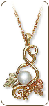 Black Hills Gold Necklace with Pearl Pendant (SKU: PE562)